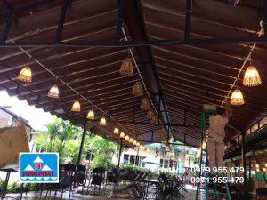 mái xếp đẹp tại quán cà phê